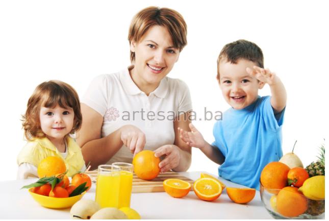 Šta šećeri čine tijelu i koje to namirnice djeca treba da jedu?
